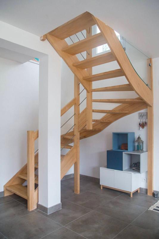 Exemple de réalisation d'escalier 2 quarts tournants en frêne massif