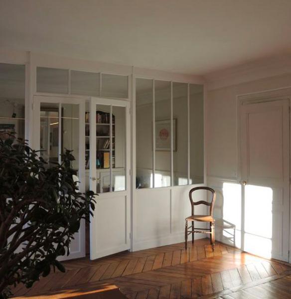 Exemple de verrière et porte style atelier coloris blanc