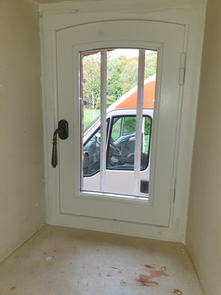 Fenêtre en bois coloris blanc